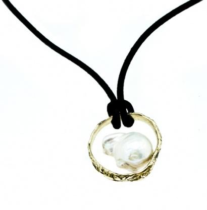 Circle Pearl