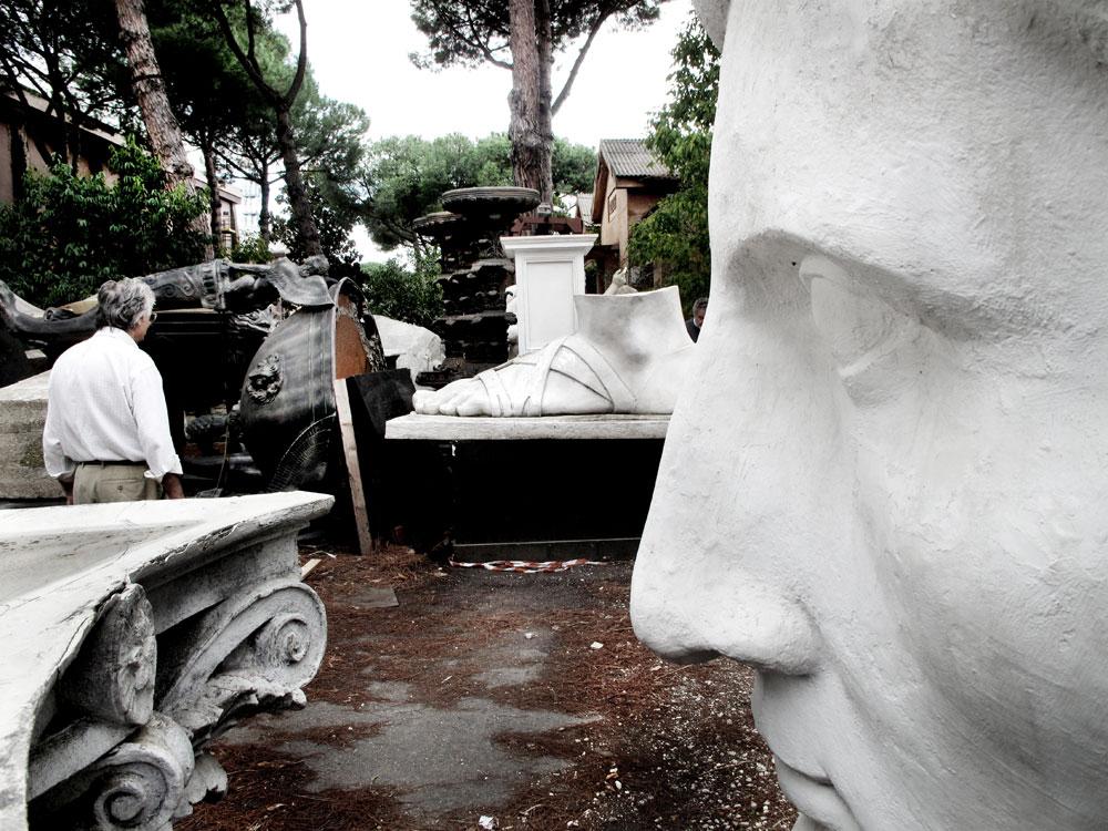 Adriano De Angelis and his sculptures