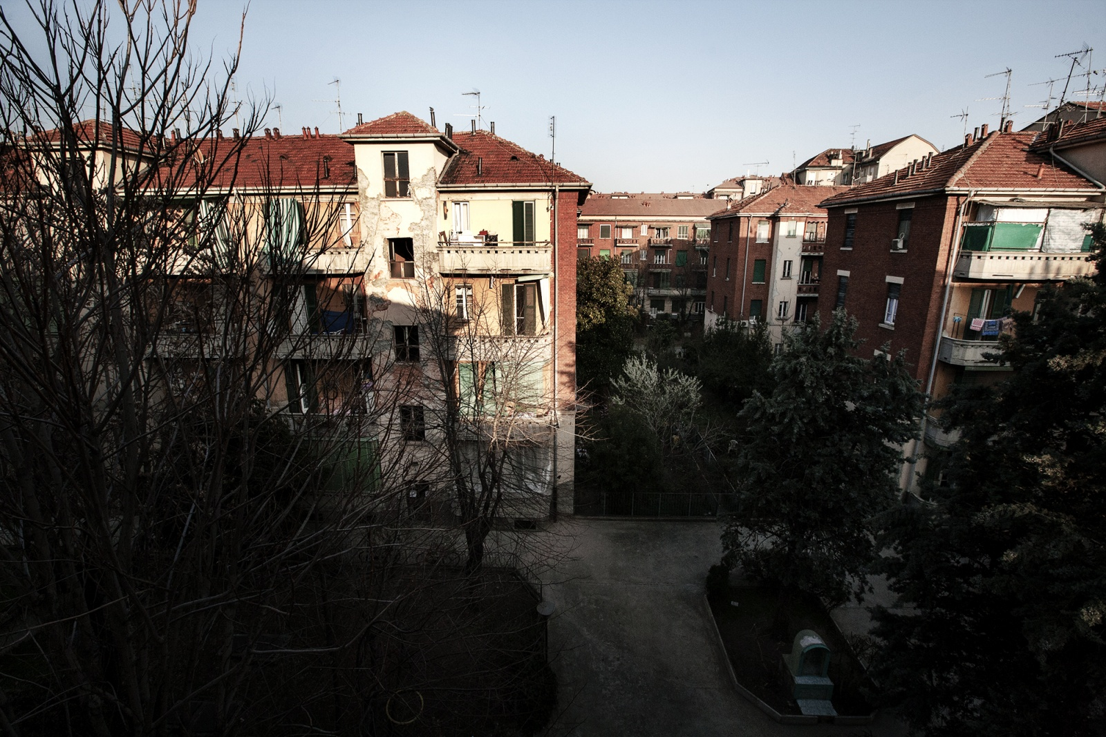 Struggle for the housing right - Squatters in Milan area