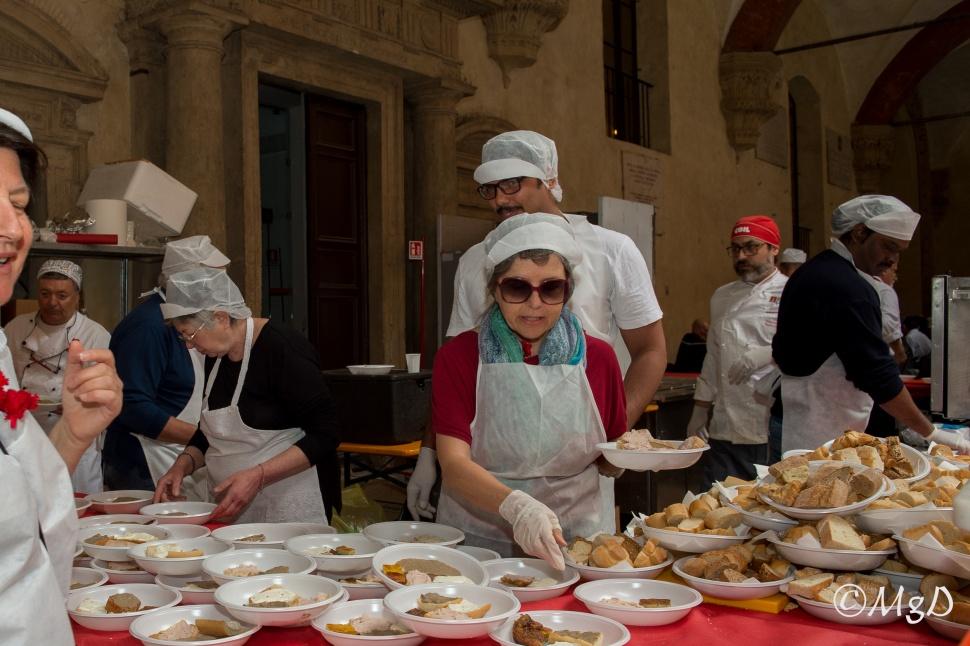 Cucine_Popolari_Bologna_1_Maggio_De_Siena_Mariagrazia_20.jpg