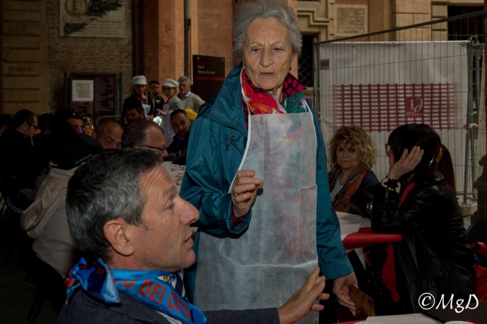 Cucine_Popolari_Bologna_1_Maggio_De_Siena_Mariagrazia_43.jpg