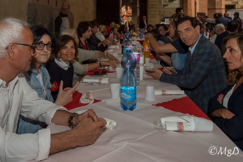 Cucine_Popolari_Bologna_1_Maggio_De_Siena_Mariagrazia_7.jpg